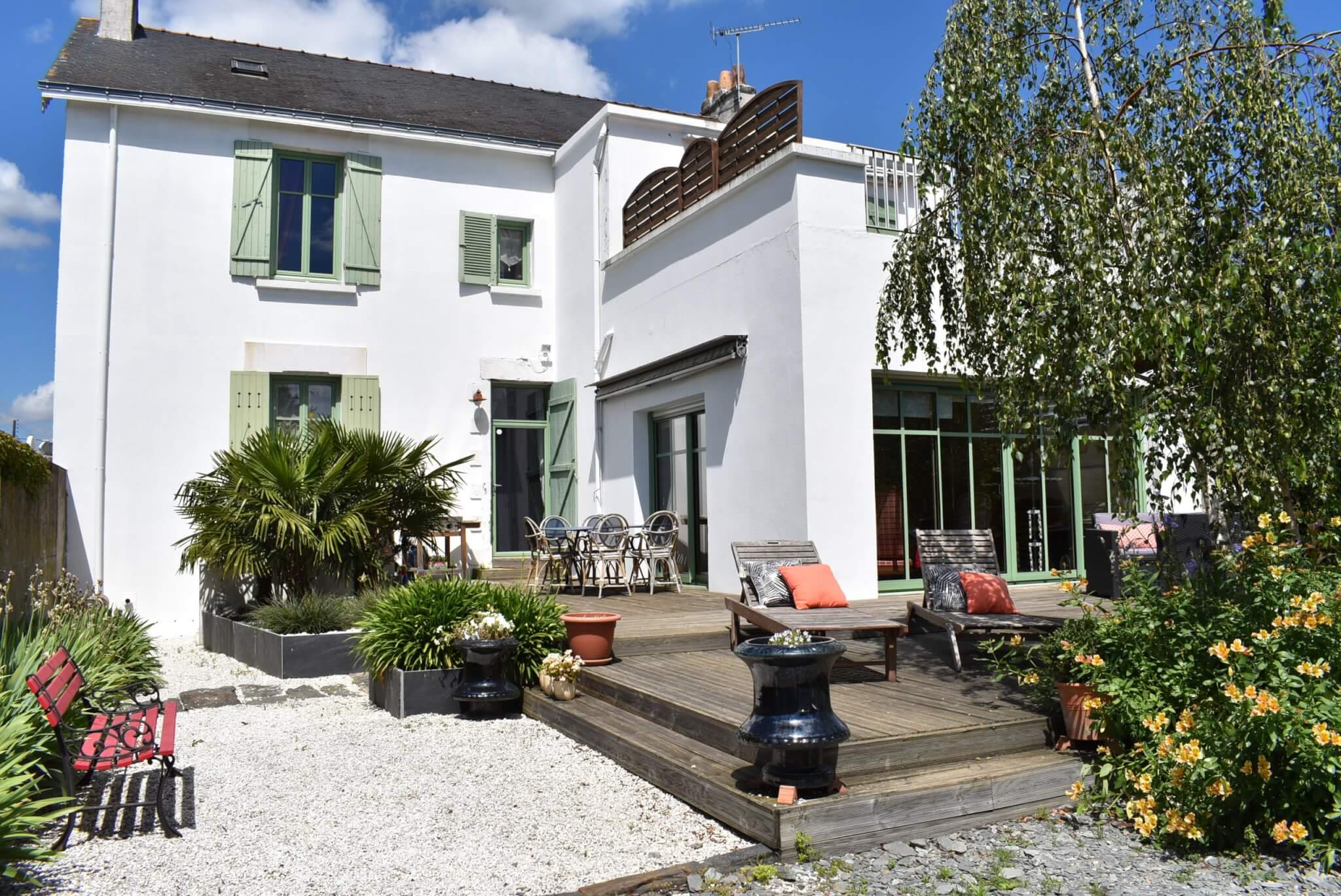 Maison famililale du 19ème siècle vendu avec l'aide de Abby ma Caoch Immo